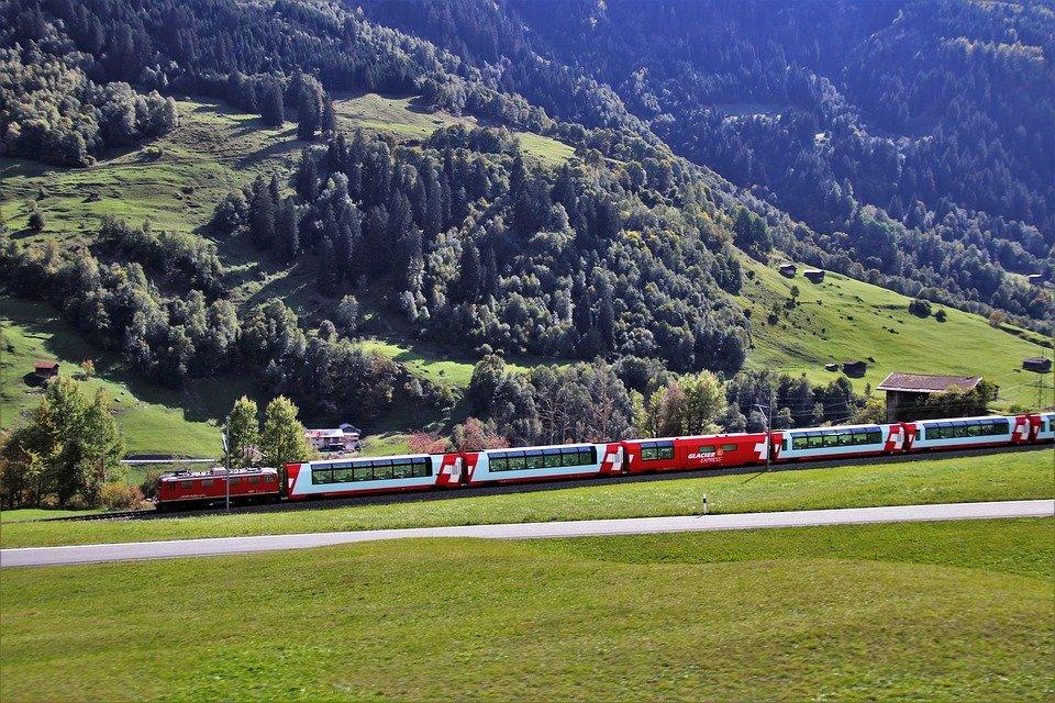 vlak v krajině